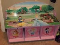 Disney Princess bench w/3 storage bins. Retails $50+.