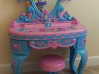 Selling my daughter's Disney Princess Talking Vanity.
