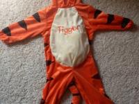 I have a Disney Tigger costume size 36m. In excellent