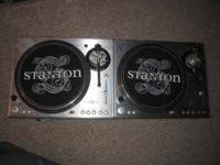 Im selling two pair of stanton str8-100 Both working