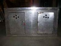 DIAMOND PLATE. USED TO TRANSPORT HUNTING DOGS. 46 1/2""