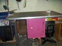 Dog Grooming Table Adjustable - $195 (Lyons, NY) Date: