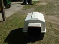 NICE PETMATE BRAND DOG HOUSE EXCELLENT CONDITION COST