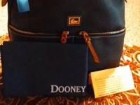 Dooney and Bourke Dillen 2 Medium Zipper Pocket Sac.
