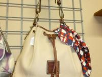 DOONEY AND BURKE PURSE IN PERFECT FORM! Take a look at