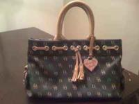 Dooney & Bourke purse Great condition No deffects looks