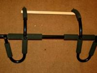 Excellent Condition Doorway Pullup/ChinUp Bar. Barely