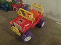 Dora jeep in great condition with battery and charger