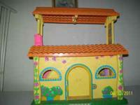 DORA'S TALKING HOUSE-Bring Dora's world to life with