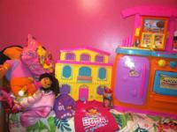 Dora dollhouse with all characters & furniture, Dora