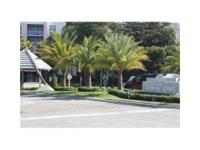 SPACIOUS 3/2 CONDO IN DESIRABLE DORAL HOUSE 2 UPGRADED
