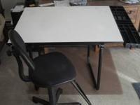I have a very nice drawing table that i would like to