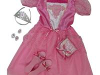 The Deluxe Princess Dress Up boxed set includes all the