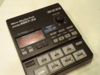 ZOOM MRT3B drum machine. in almost new condition barely