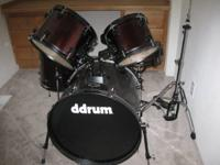 D Drum D2 5 peice drum set with a pedal, throne and a