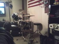 Selling Crush drum set