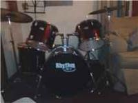 Rythm Art drum set, made by yamaha, includes double tom
