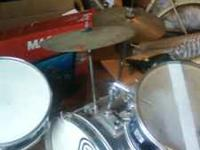 i have a 3 pices drum set for sell paid $600 brand new