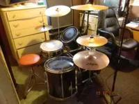 "Must sell this week!! Vintage Yamaha drums 22"" Bass,"