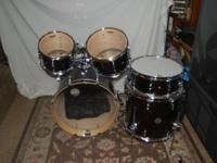 Selling a brand new Pdp 5 pc. Concept Maple cm5 New !