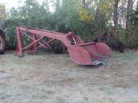 Du-al Loader hydraulic tip bucket no leaks- was on a