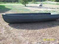 12' Aluma Craft duck boat with oars. Excellent