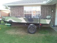 Completely restored 14 ft. fiberglass boat.Has a 6