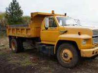 1992 Ford Dump truck, Newer tires Everything works