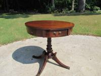 Nice 1 drawer Duncan Phyffe drum table. Nice detail on