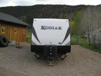 Dutchmen Kodiak 298RLSL 2014.   This brand name