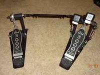 Up for sale dw 3000 double bass drum pedals new