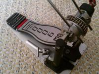Up for grabs is a very nice used DW 9000 double pedal