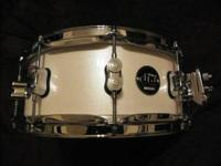 I have a DW Performance Series 5.5x14 snare drum in