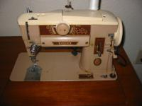 Singer Sewing CabinetSlant-O-Matic 4011958..with Chair