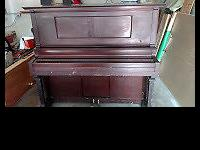 Early 1900 Player Piano all original Ellwood, Mahogany
