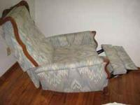 Queen Ann recliner in excellent condition. great for an