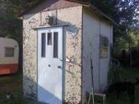 9x6 Fishouse Needs some work on outside but inside