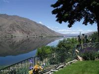 East Wenatchee Waterfront Home on 26 Acres with