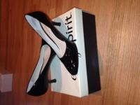 Easy Spirit (brand) black patent leather heel, size 7M.