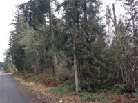 Build your dream home on this 3.75 acre lot. There is a