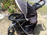 Well made stroller by Eddie Bauer Easy to fold up and