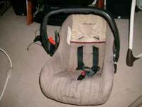 Eddie Bauer car seat comes with 2 bases looks great no