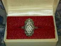 Beautiful Edwardian or Victorian ring, with intricate