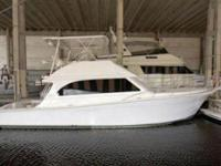 Just Listed! . LOA: 43 ft 0 in, Beam: 15 ft 0 in,