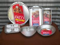 Ekco Bakeware-6 pans to include: Pizza pan, Pie pan,