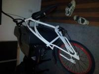SELLING AN 2011 ELECTRA CRUISER IT IS A SPARKER MODEL