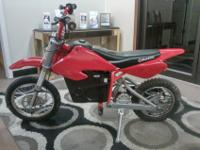RAZOR MX 500 ELECTRIC DIRTBIKE RUNS AND GOES ABOUT