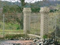 25 Insulators Chain Link Fence and Multiple Use