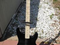 For Sale NEW CONDITION ELECTRIC GUITAR, Includeds Soft