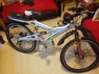 "Frame: Aluminum Alloy 21""mountain bike style with full"